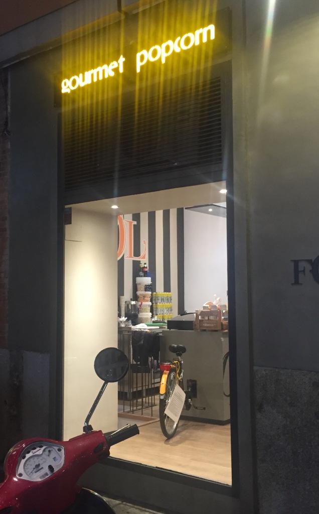 Tienda que vende exclusivamente palomitas de maíz en Chueca en Madrid